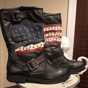 🌸White Mountain American Flag Boots